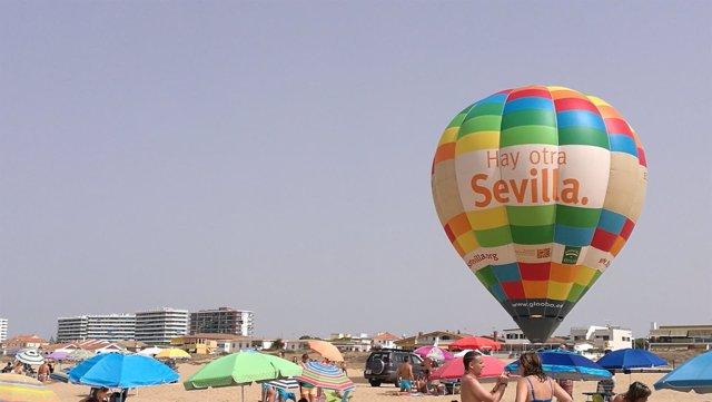 El globo aerostático de la campaña 'Hay otra Sevilla'