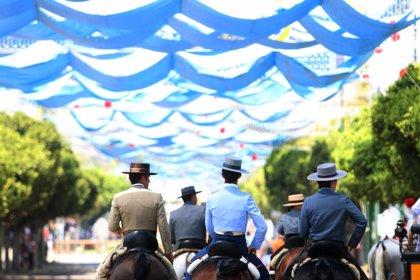 """Peñistas califican de """"buena"""" la Feria, con aumento de asistencia y la vuelta """"de la feria tradicional"""""""