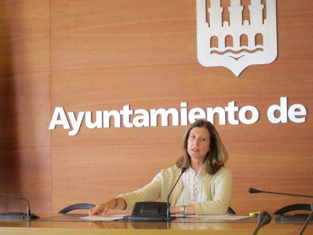 La concejala San Martín durante su comparecencia.
