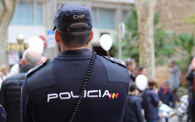 Intervenidas más de tres toneladas de hachís en una 'guardería' en La Línea (Cádiz)