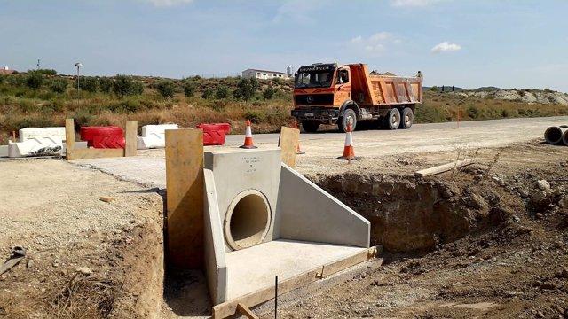 Obras en ka carretera la CV-607, que conecta Castejón de Valdejasa y Tauste