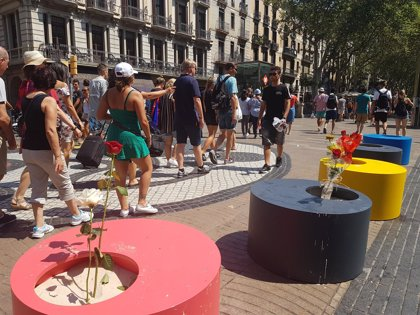 Las macetas colocadas por el 17A en el mosaico de Miró de La Rambla se retirarán este lunes