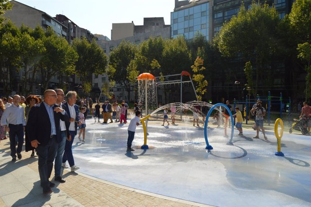Jesús Vázquez Abad y José Manuel Baltar inauguran un parque en Ourense