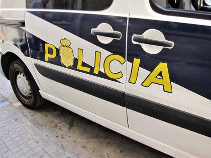Realizan un alunizaje contra la sede de la Banca March en Ibiza