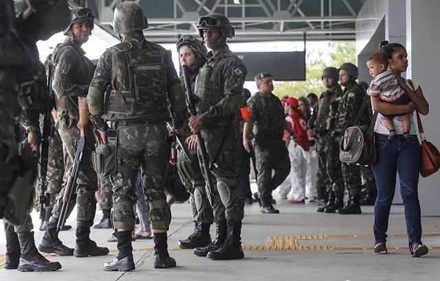 Militares brasileños