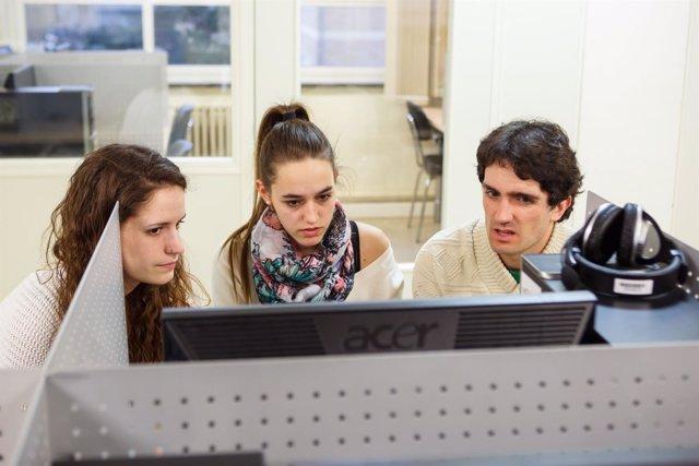 Estudiantes, en el Centro Superior de Idiomas de la UPNA.