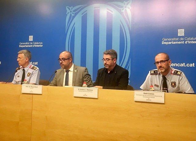 Miquel Esquius,conseller Miquel Buch, Andreu Joan Martínez, Rafel Comes (Mossos)