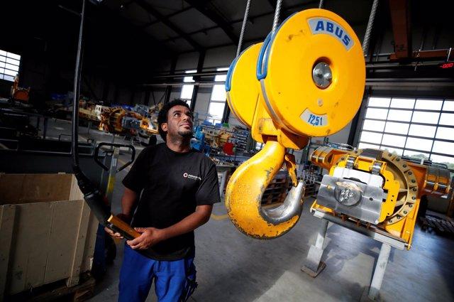 Inmigrante de Eritrea en una fábrica de Gescher