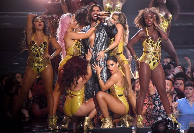 Maluma performs on stage at the 2018 MTV Video Music Awards held at Radio City M