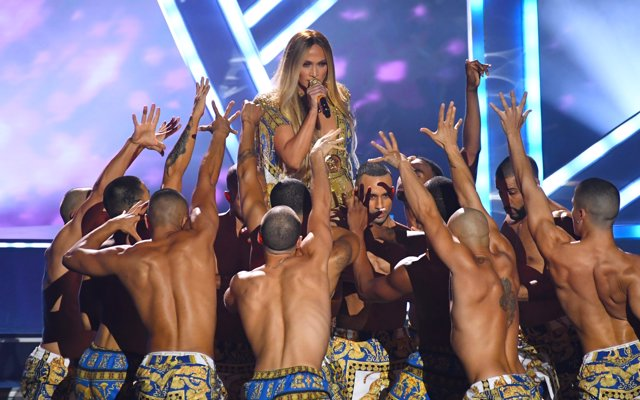 Jennifer Lopez performing on stage at the 2018 MTV Video Music Awards held at Ra