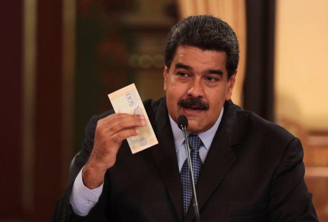 Nicolás Maduro aplaza la subida del precio del petróleo