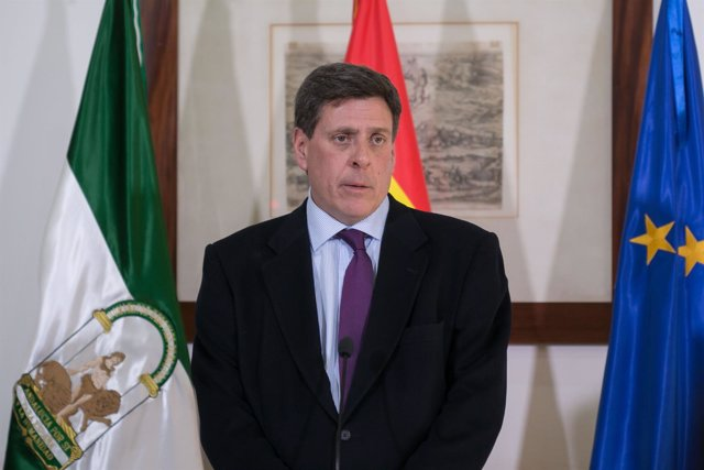 El padre de Diana Quer, Juan Carlos Quer, tras reunirse con Susana Díaz