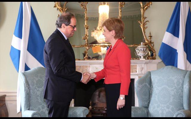 La ministra principal de Escocia acepta la invitación de Torra a Cataluña