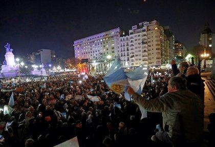 Miles de argentinos salen a las calles para pedir al Congreso que quite la inmunidad a Fernández de Kirchner