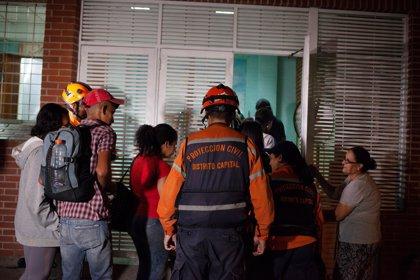 Venezuela vive escenas de caos y pánico tras un terremoto de 7,3 grados