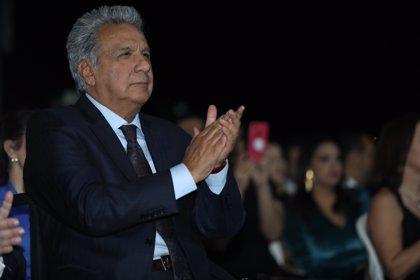 El presidente de Ecuador anuncia un plan de recortes para reducir la deuda pública
