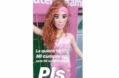 Crean la piñata del #Thalíachallenge y ella lo comparte en sus redes