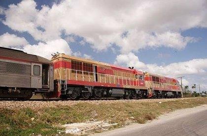 Cuba permitirá a partir de septiembre que operadores extranjeros gestionen sus ferrocarriles