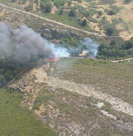 Incendio activo en Hermisende (Zamora) 23-8-2018