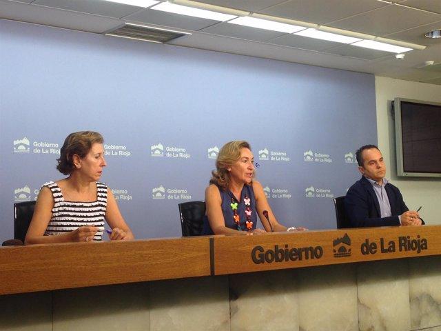 La concejala de Salud Martín acompañada de Sáenz y Domínguez.