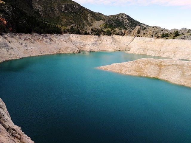 Nota Y Fotos: Los Embalses De La Cuenca Del Segura Almacenan 273 Hm3 De Agua Y E