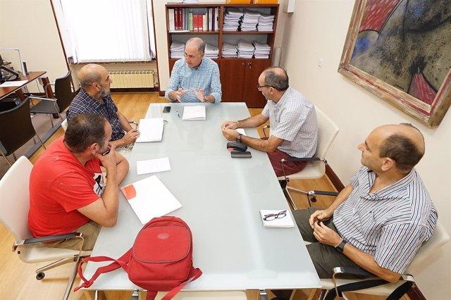 Reunión del concejal Antonio Gato y Parados en Movimiento. 23-8-2018
