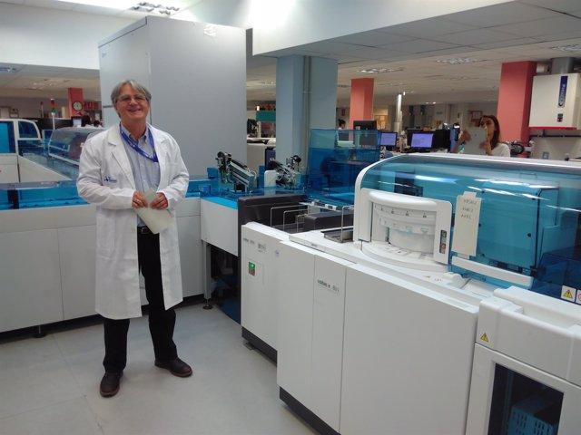 Francisco Rodríguez Frías, jefe de laboratorio en el Vall d'Hebron