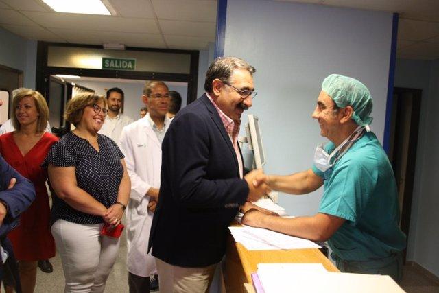 Consejero de Sanidad en hospital de Alcázar