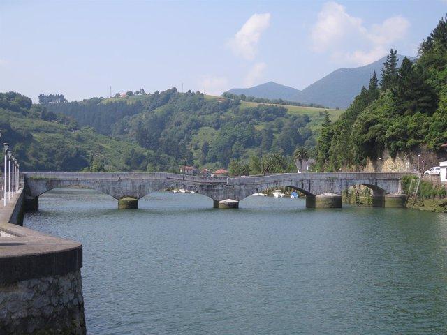Puente de Deba