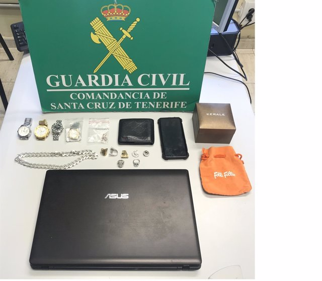 [Grupocanarias] La Guardia Civil Detiene A Dos Varones Acusados De Robar Joyas Y