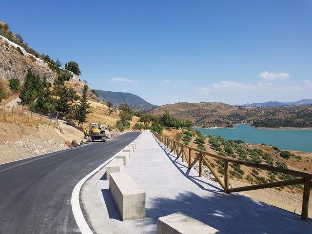 Carretera de Zahara de la Sierra reparada