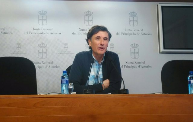 Enrique López.