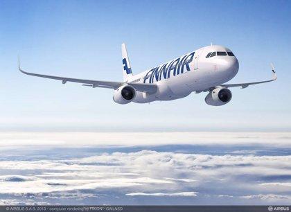 Los tripulantes de cabina de Finnair en Barcelona desconvocan la huelga tras un acuerdo con Adecco