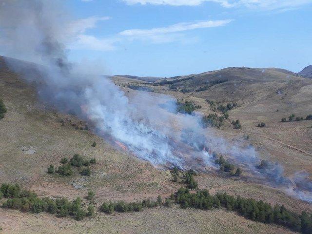 Las llamas a extinguir en al Sierra d Gádor