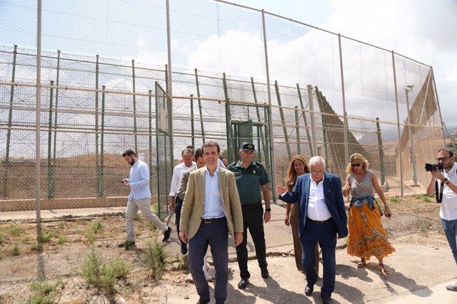 Casado, en la valla de Melilla