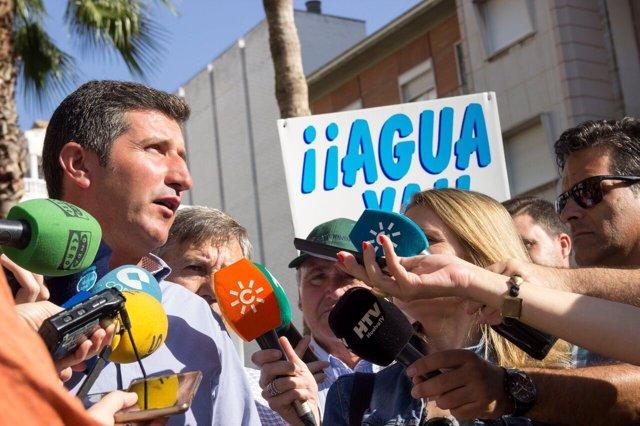 El presidente de la plataforma de regantes del Condado, Cristóbal Picón.