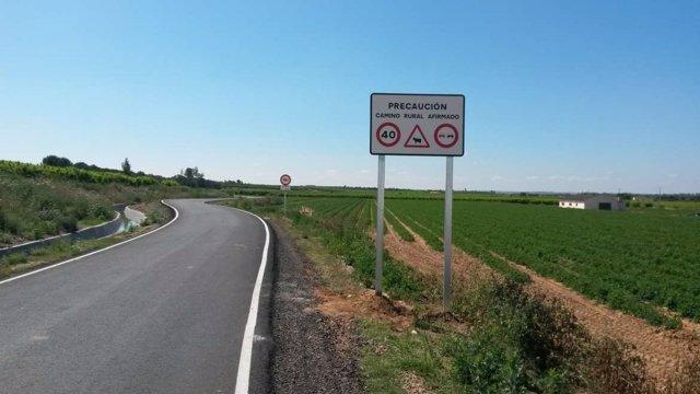 Un camino rural acondicionado por la Junta