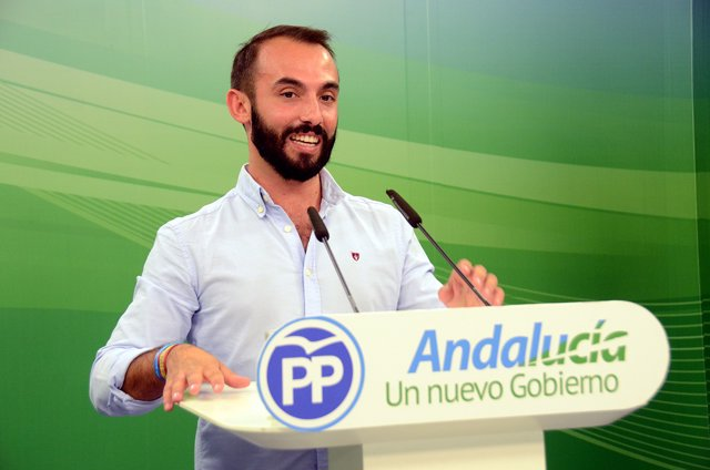 El presidente de Nuevas Generaciones de Andalucía, Kike Rodríguez