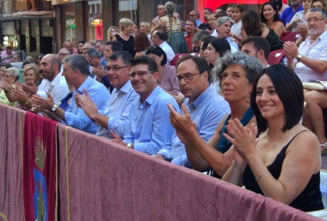 Rodríguez, acompañado por Morera y los consellers en las fiestas
