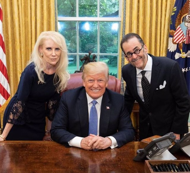 Donald Trump y Lionel Lebron, promotor de la conspiración QAnon