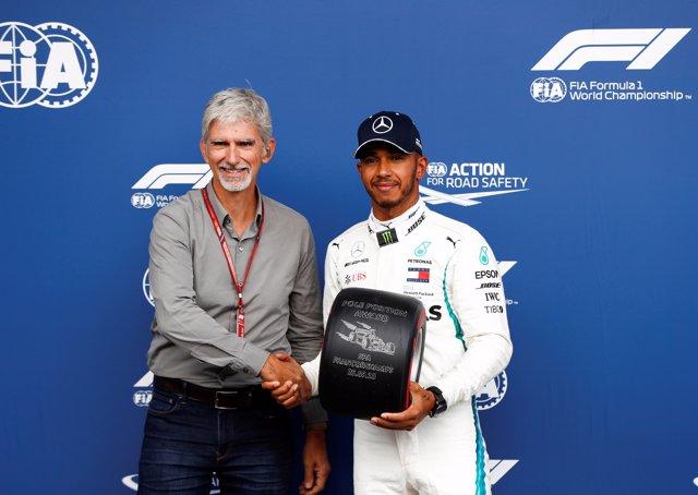 Lewis Hamilton renueva con Mercedes