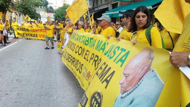 Afectados por derribos ante el Gobierno de Cantabria