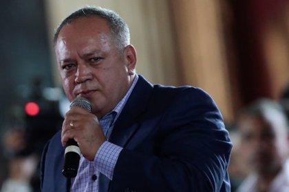 """Cabello insinúa que las """"sospechosas"""" imágenes de migrantes venezolanos son un montaje"""