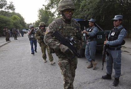 El primer ministro afgano debate la situación de seguridad en el país con el jefe de la misión de la OTAN