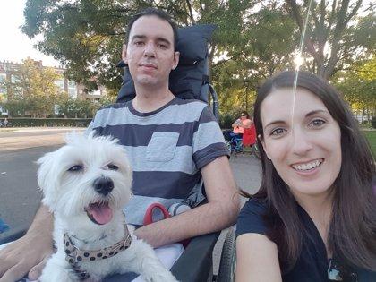 """La lucha de Marimar contra la """"asesina de tres letras"""" de su novio:  Afrontar la ELA como cuidador"""