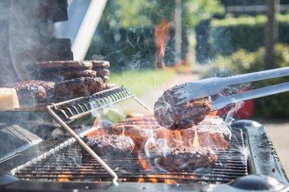 Medio Ambiente recuerda la prohibición de usar barbacoas portátiles en zonas forestales y recomienda los menús fríos
