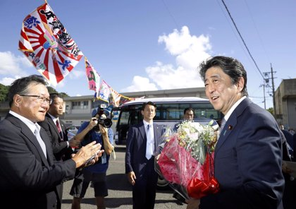 Shinzo Abe se postula de nuevo para liderar su partido y aspira a un tercer mandato como 'premier' de Japón