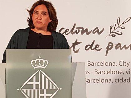 Colau condena la agresión de una mujer en Barcelona y pide prudencia en las interpretaciones