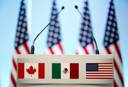 """México anuncia que están a """"horas"""" de lograr un acuerdo con EEUU para renovar el TLCAN"""