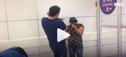 Las desgarradoras imágenes del momento en el que reúnen a un niño hondureño con sus padres y no los reconoce